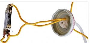 Провод и шланг в крышке пароочистителя