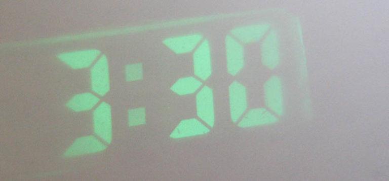 Часы проекционные часы своими руками 61