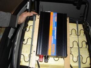 Установка инвертора под сиденье-2