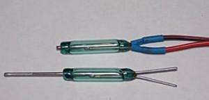 Места пайки герметизируют термоусадочными трубками 3