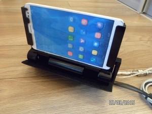 Выезжающий механизм для планшета в авто