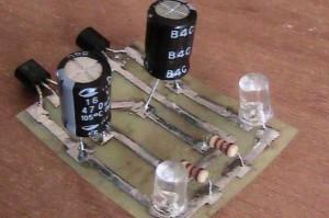 Генератор вспышек светодиода для стоп-сигнала на велосипед