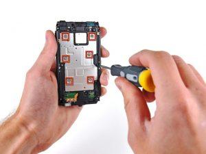 Что делать, если телефон (смартфон) не включаются?