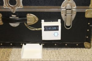 установка замка со сканером на чемодан