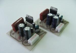 Автомобильный аудиоусилитель с инвертором напряжения и отключаемым ФВЧ