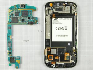 Samsung Galaxy S3 7 11 300x225 - Разборка телефона Samsung Galaxy SIII