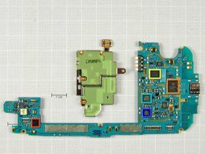 Samsung Galaxy S3 91 300x225 - Разборка телефона Samsung Galaxy SIII